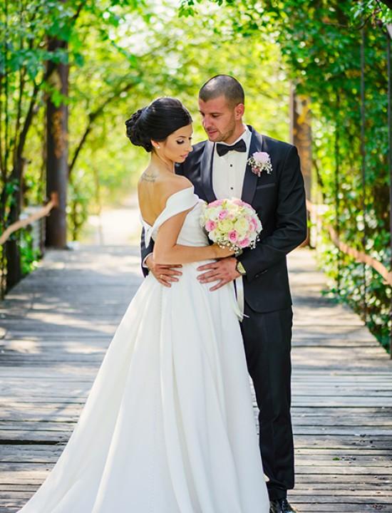 костюм за сватба