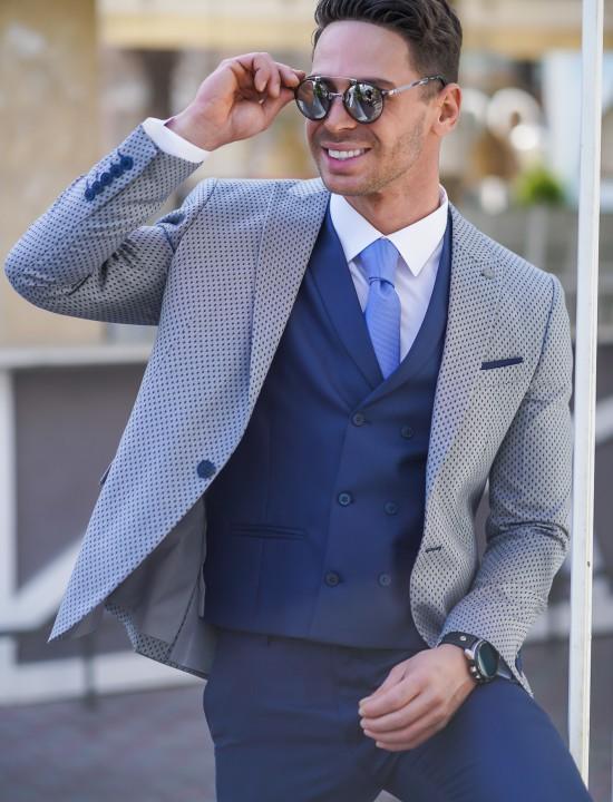 Втален мъжки костюм син със сиво сако на точки в три части