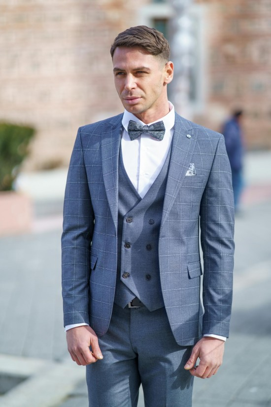 Втален мъжки костюм сив каре в три части