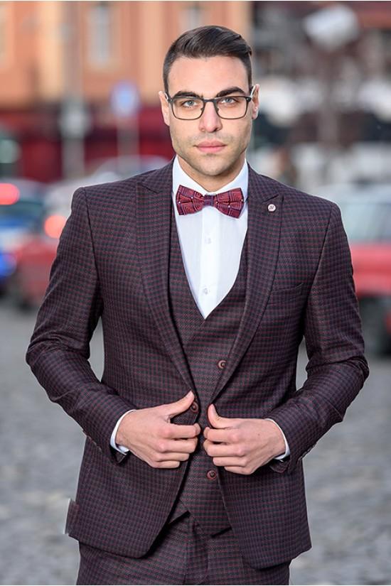 Втален мъжки костюм бордо каре три части