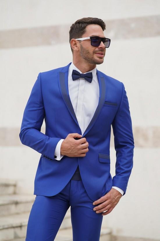 Втален мъжки костюм светлосин смокинг