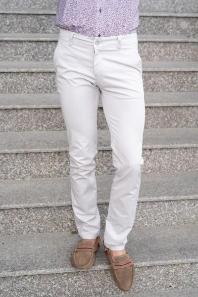 Втален мъжки панталон в цвят айвъри
