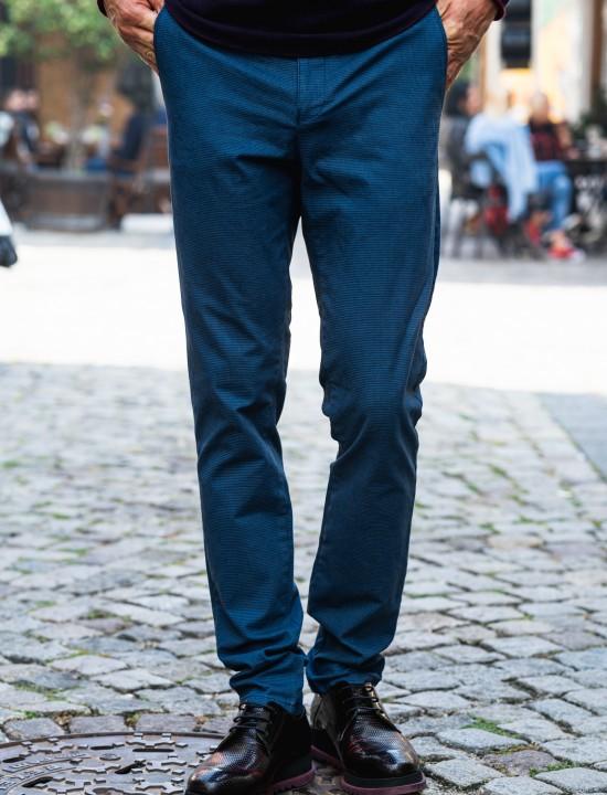 Втален мъжки панталон син със структура