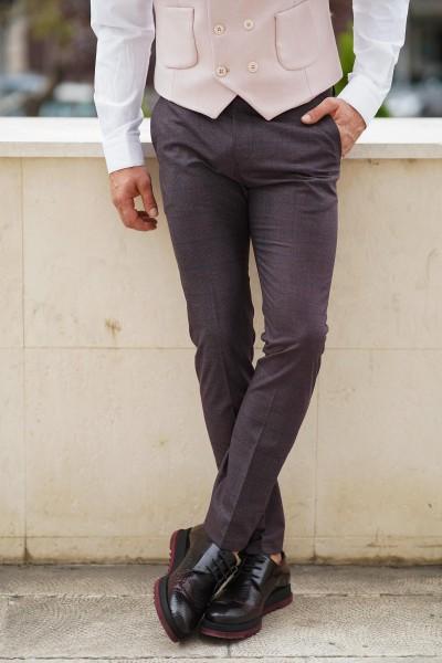 Втален мъжки панталон цвят марсала и дискретно каре