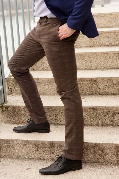 Втален мъжки панталон кафяво каре