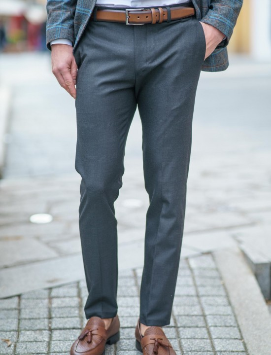 Втален мъжки панталон тъмносив с дискретно каре