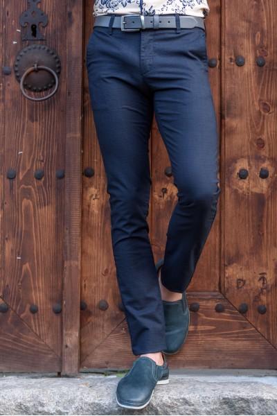 Втален мъжки панталон тъмно син каре с еластан