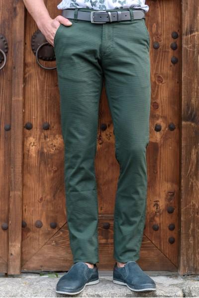 Втален мъжки панталон зелен със структура и еластан