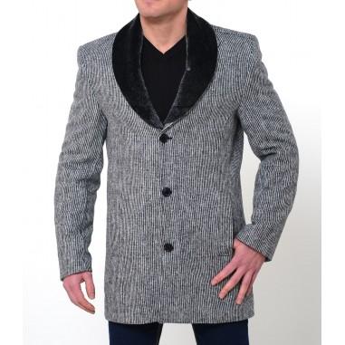 Вталено бяло палто