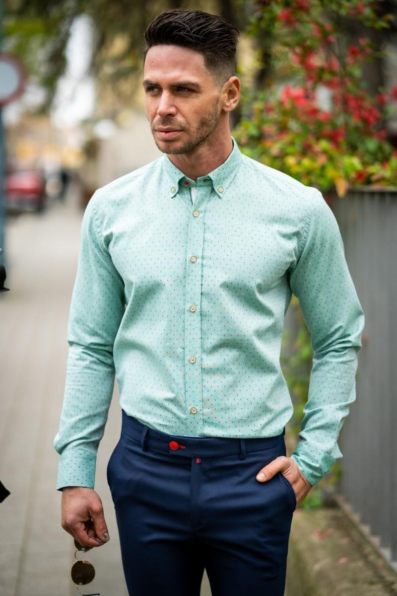 5a6ce3284ee Вталена мъжка риза в цвят мента на точки