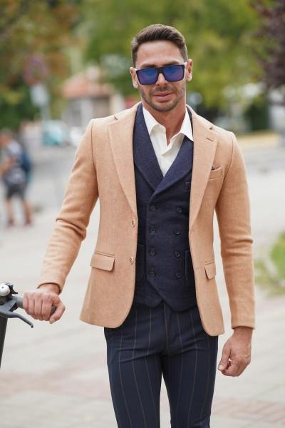 Вталено мъжко сако-палто цвят камел