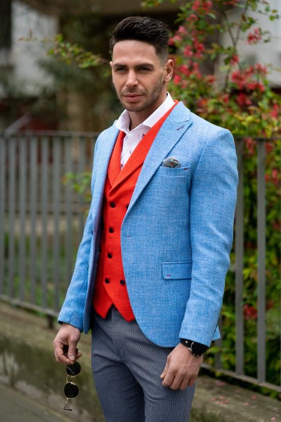 Вталено мъжко сако в светлосин цвят и структура